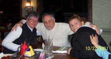 The Sutelman's (Lynn, Ken & Erika)